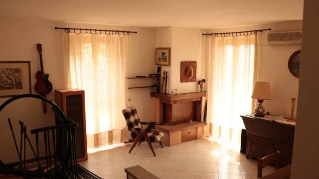 Appartamento in buone condizioni in vendita Rif. 5765043