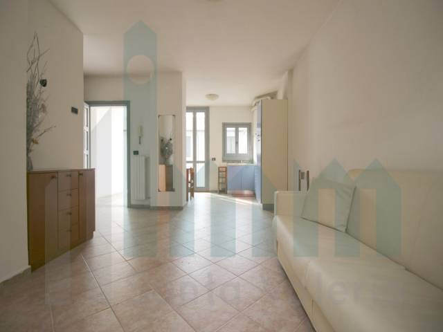 Appartamento monolocale in vendita a Seregno (MB)