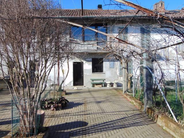 Rustico / Casale in vendita a Masio, 6 locali, prezzo € 80.000 | CambioCasa.it