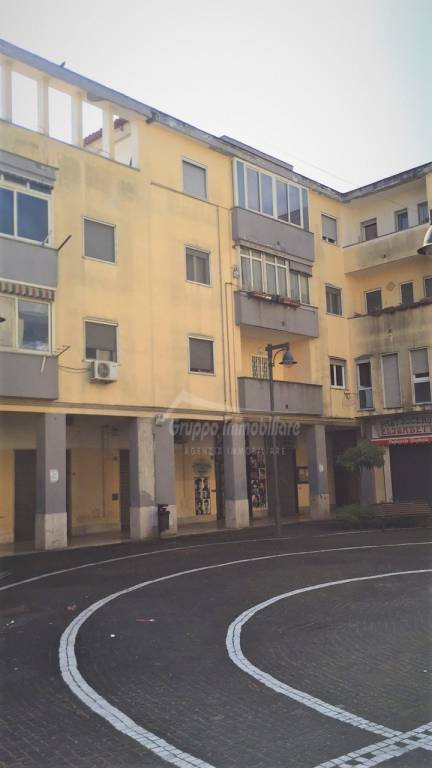Appartamento in buone condizioni in vendita Rif. 8110193