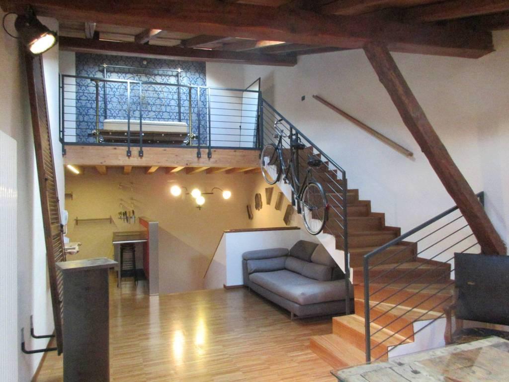Appartamento in ottime condizioni arredato in affitto Rif. 7734416