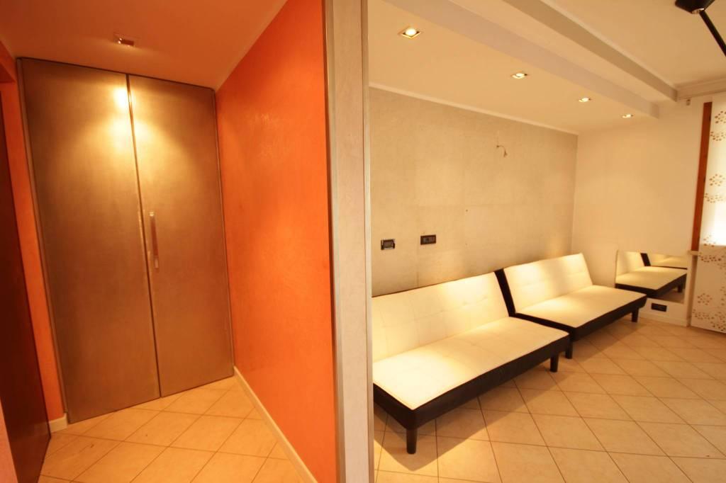 Appartamento in buone condizioni in vendita Rif. 5899723