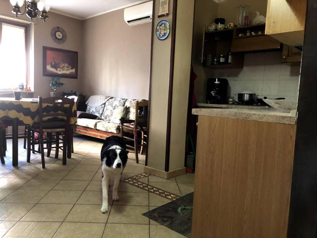 Appartamento in ottime condizioni in vendita Rif. 5972908