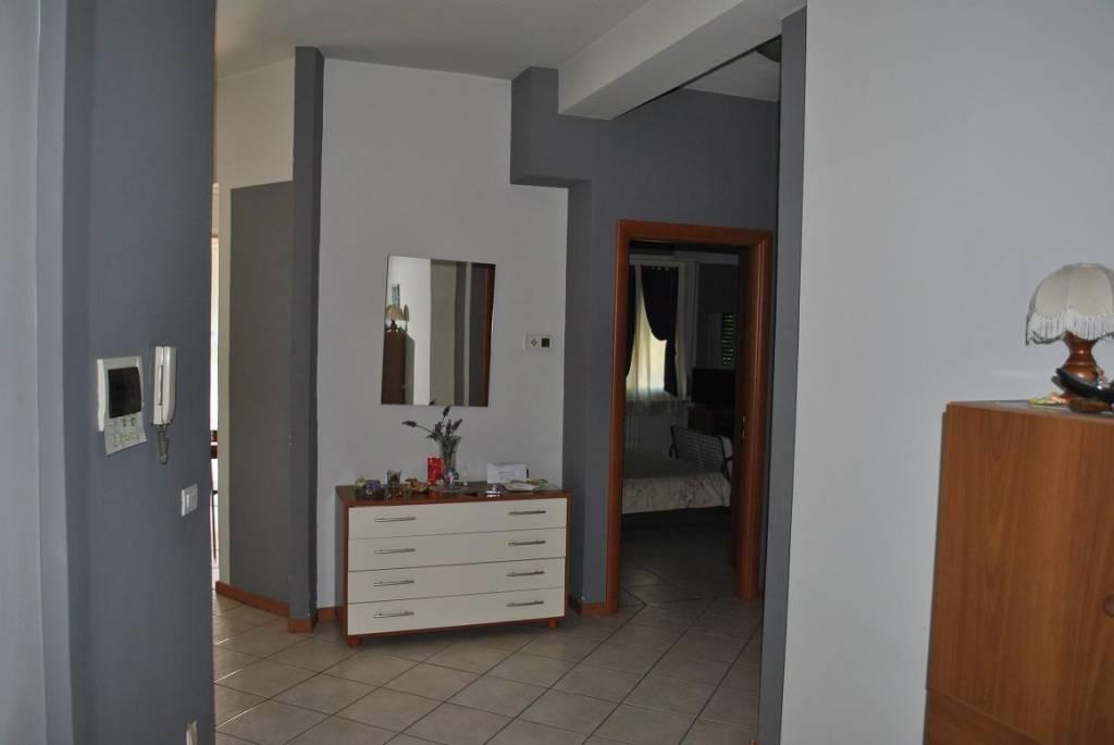 Appartamento in ottime condizioni arredato in vendita Rif. 5931565