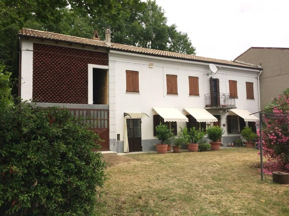 Rustico / Casale in vendita a Ponzano Monferrato, 5 locali, prezzo € 68.000   CambioCasa.it
