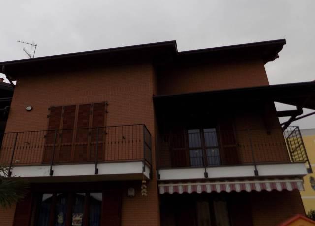 Appartamento in vendita a Binago, 4 locali, prezzo € 230.000 | PortaleAgenzieImmobiliari.it