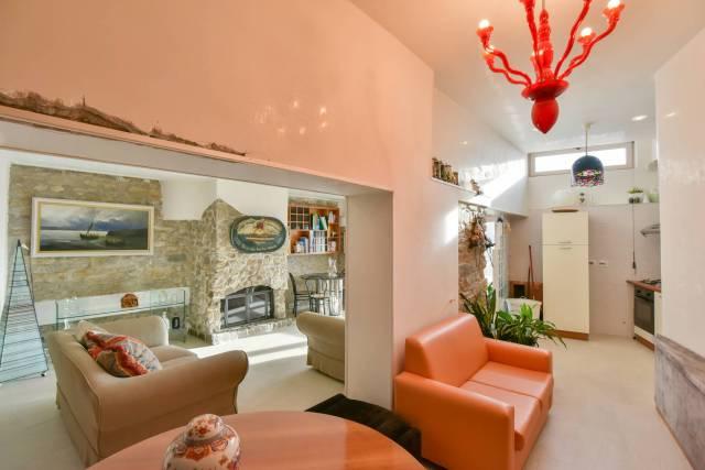 Appartamento in ottime condizioni in vendita Rif. 5900644