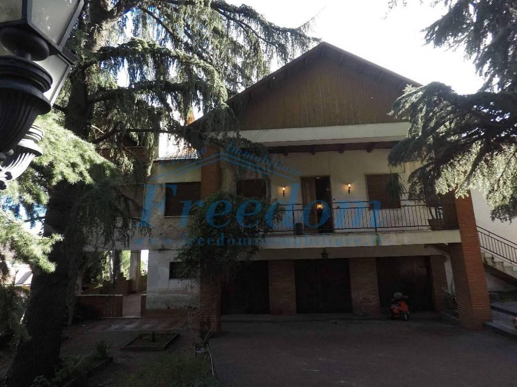 Villa in Vendita a Trecastagni Centro: 5 locali, 360 mq