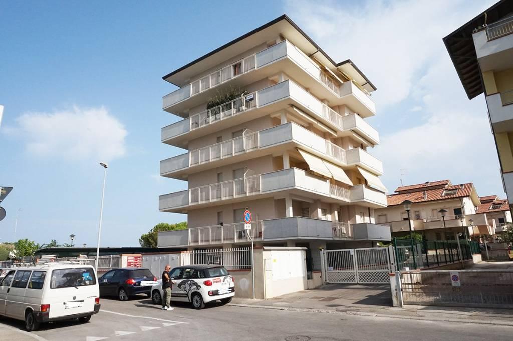 Appartamento in vendita a Ravenna, 3 locali, prezzo € 260.000 | CambioCasa.it