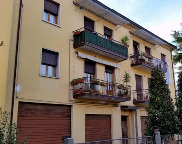 Foto 3 di Quadrilocale Via Antonio Resta 36, Imola