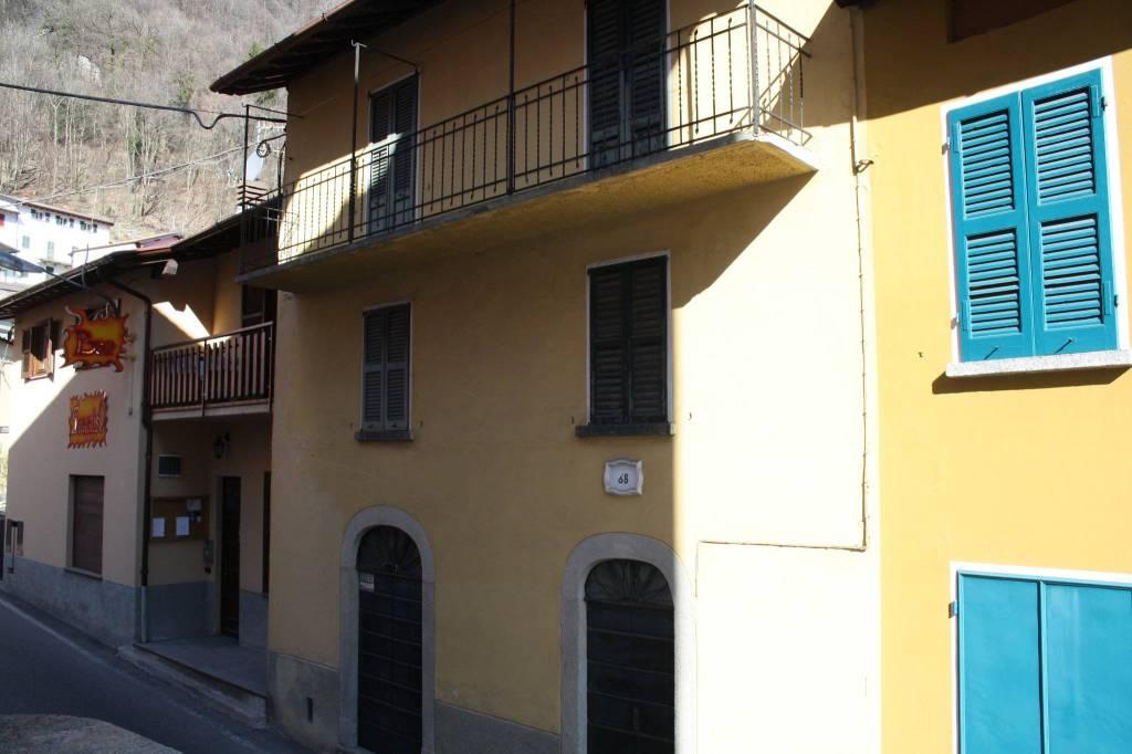 Soluzione Indipendente in vendita a Schignano, 8 locali, prezzo € 62.000 | PortaleAgenzieImmobiliari.it