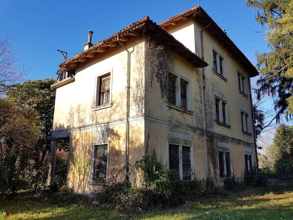 Villa in vendita a Tavagnacco, 9 locali, Trattative riservate | CambioCasa.it