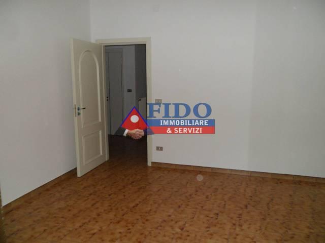 Appartamento in buone condizioni in affitto Rif. 6293321
