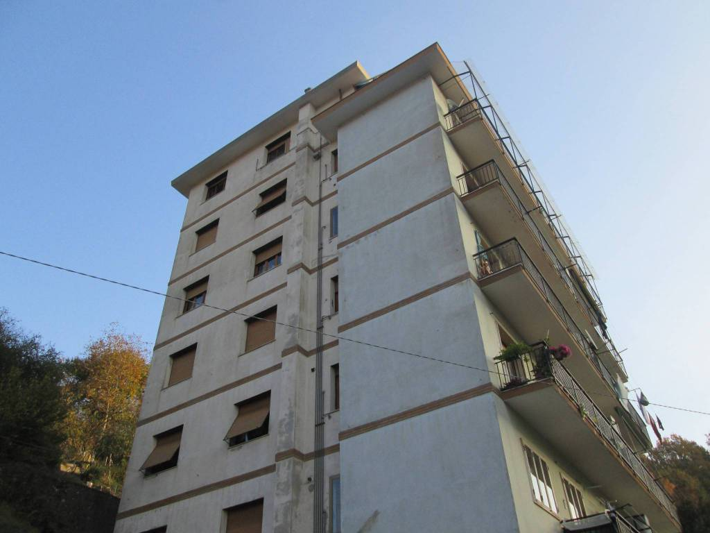 Appartamento in buone condizioni parzialmente arredato in affitto Rif. 5968851