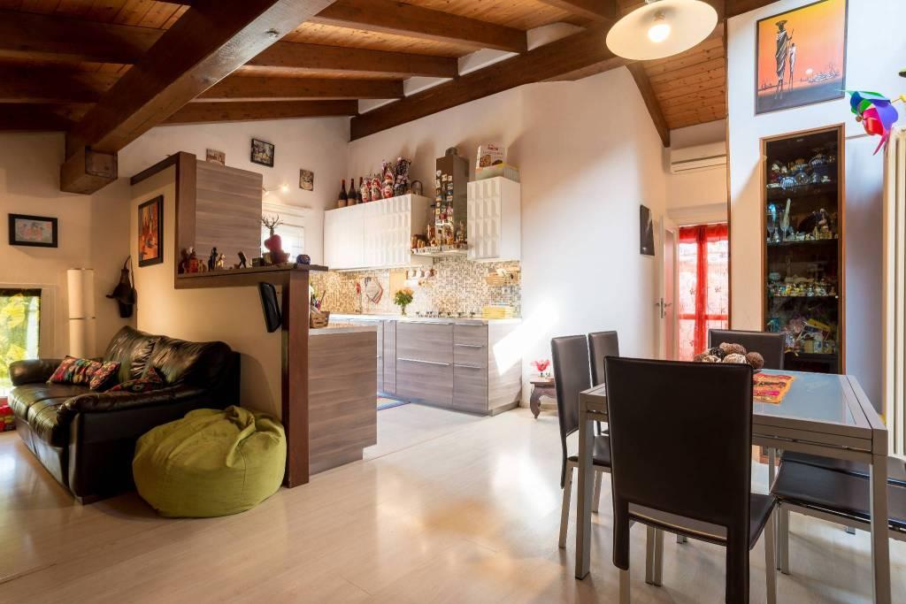 Casa indipendente su due livelli zona Tavollo