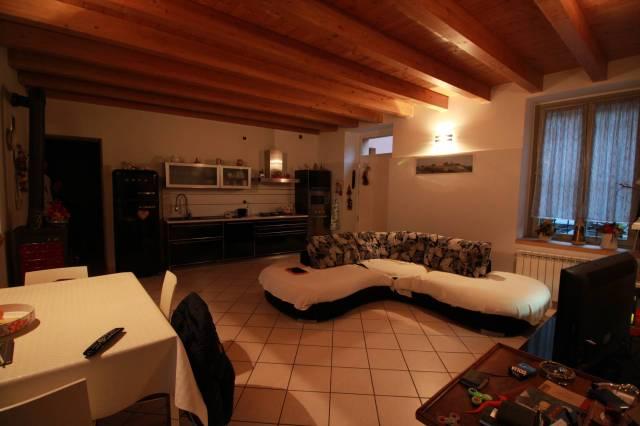 Appartamento in ottime condizioni in vendita Rif. 5905923