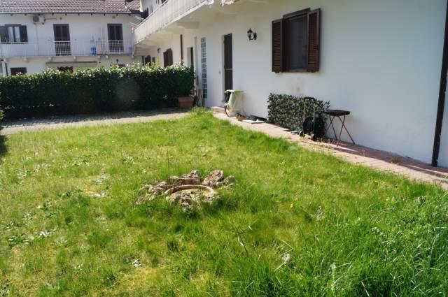 Villetta a schiera in buone condizioni in vendita Rif. 6000802