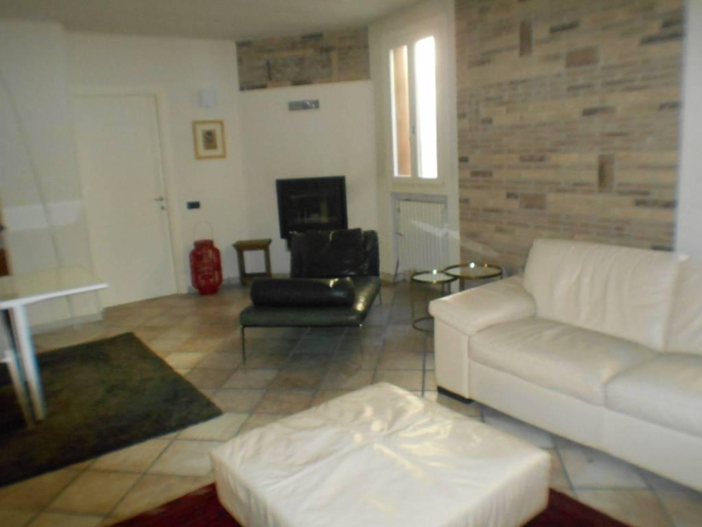 Appartamento in ottime condizioni in vendita Rif. 5912426