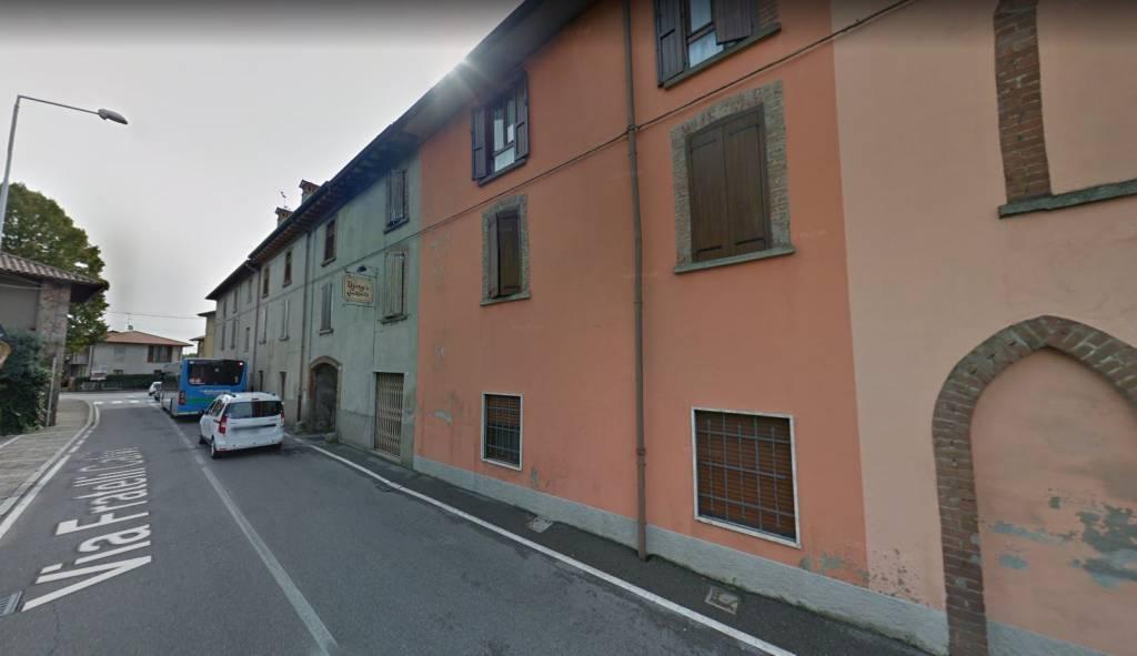 Appartamento in buone condizioni in vendita Rif. 7771512