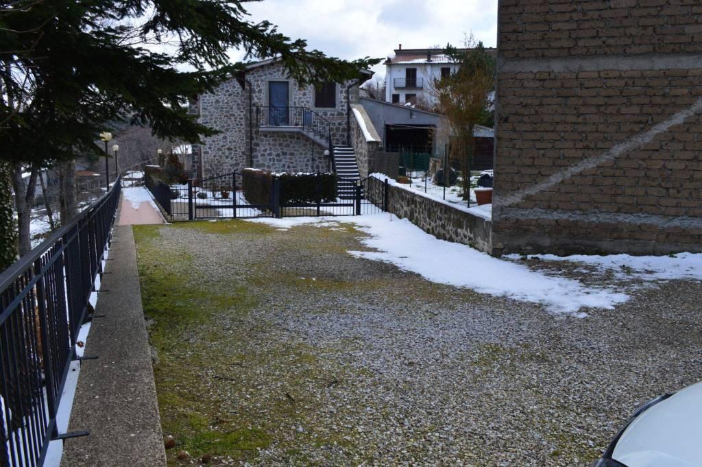 Bilocale ristrutturato con camino in Castione d'Orcia (Patri