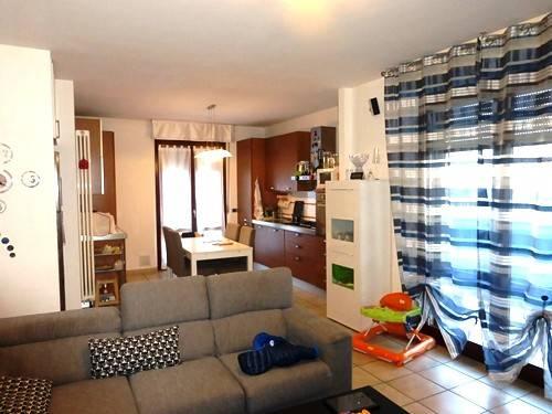 Appartamento in buone condizioni in vendita Rif. 5963249