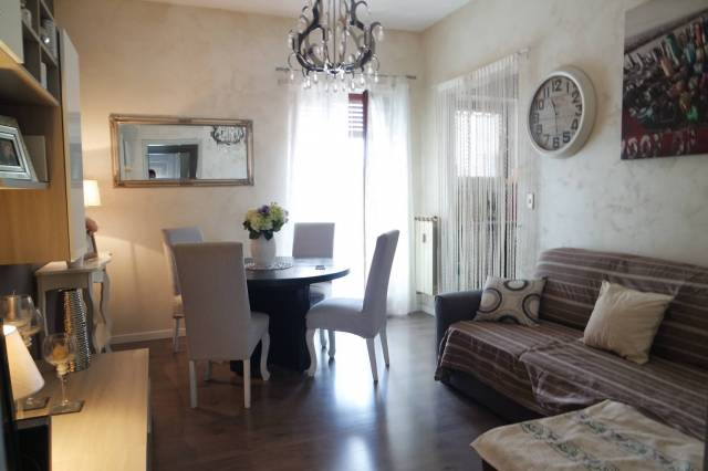 Appartamento in ottime condizioni in vendita Rif. 5932026