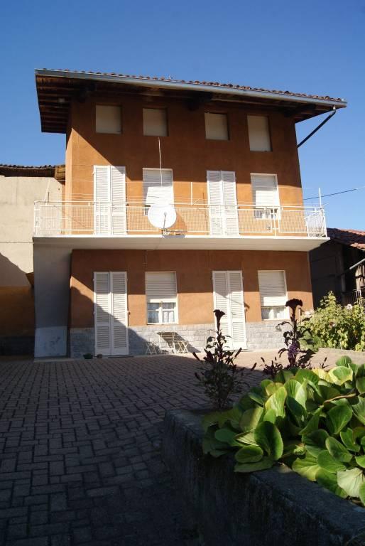 Foto 1 di Casa indipendente vicolo Solferino, Bollengo