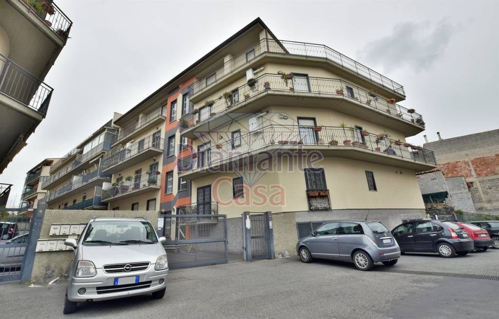 Appartamento in Vendita a Camporotondo Etneo Centro: 2 locali, 60 mq