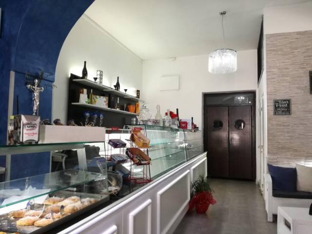 Locale commerciale via Nazionale Appia