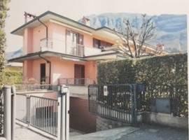 Appartamento in ottime condizioni arredato in vendita Rif. 8648996