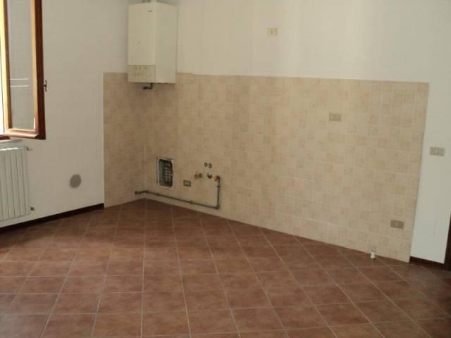 Appartamento in Vendita a Cadeo Centro: 3 locali, 80 mq