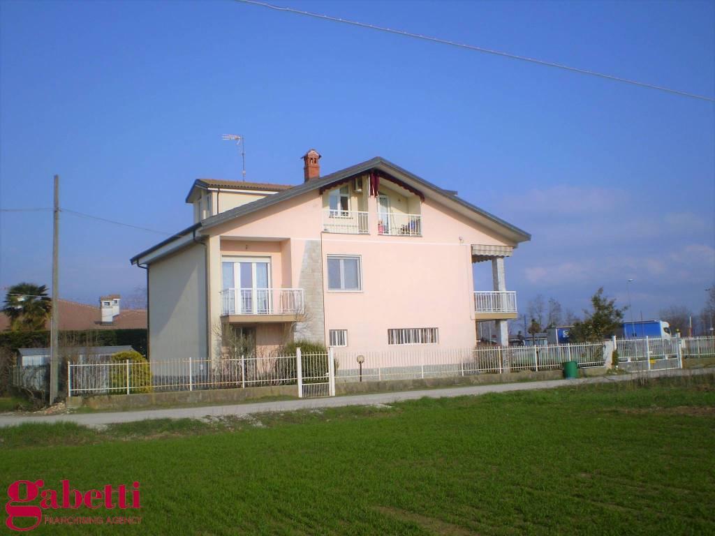 Villa in ottime condizioni in vendita Rif. 5931612