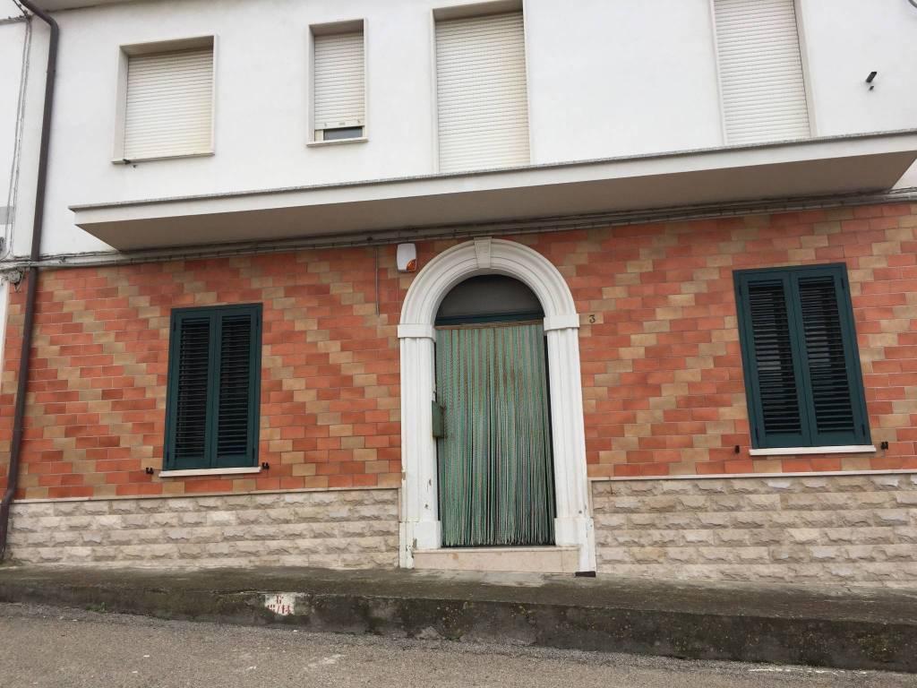 Appartamento in buone condizioni in vendita Rif. 7379500
