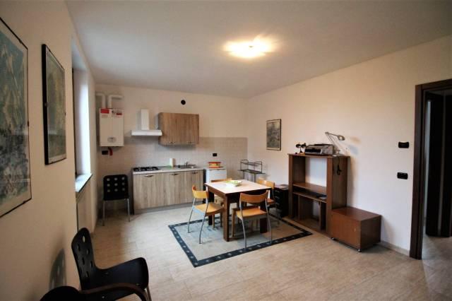 Appartamento in ottime condizioni parzialmente arredato in affitto Rif. 4458734