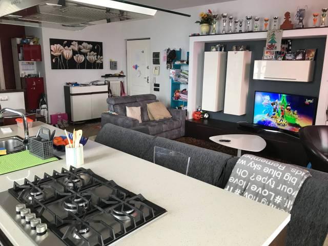 Appartamento in ottime condizioni in vendita Rif. 6002674