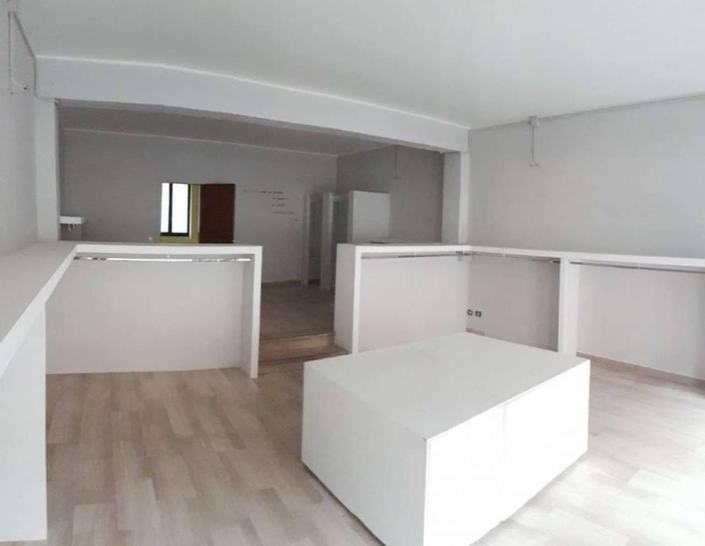 Negozio / Locale in vendita a Crema, 1 locali, Trattative riservate | CambioCasa.it