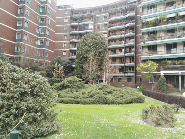 Appartamento in buone condizioni parzialmente arredato in affitto Rif. 6237928