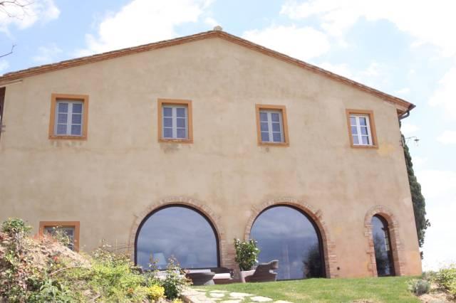Villa in Vendita a Peccioli