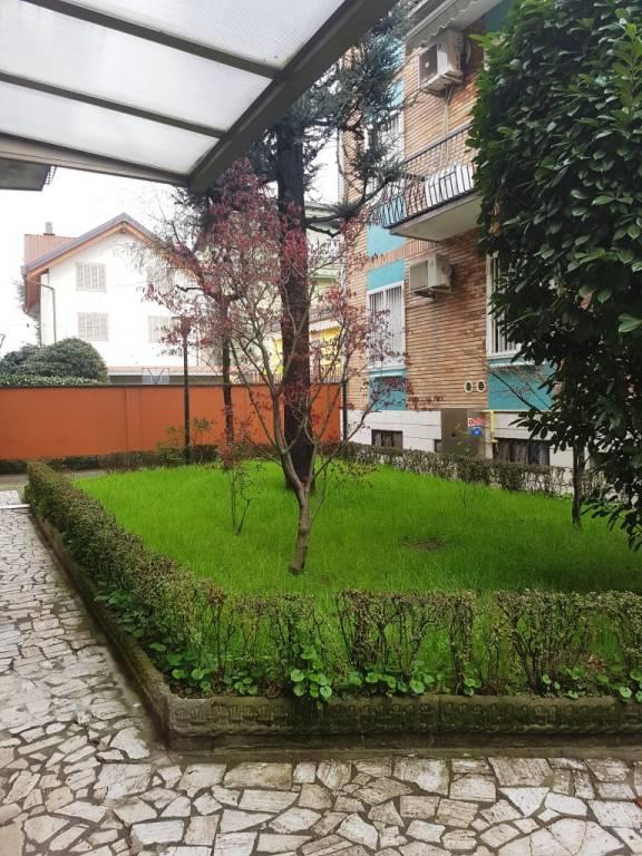 Appartamento in buone condizioni in vendita Rif. 9468911