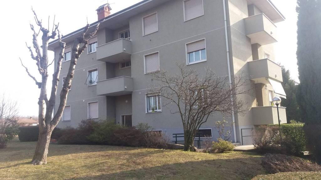 Appartamento in buone condizioni parzialmente arredato in vendita Rif. 5584652