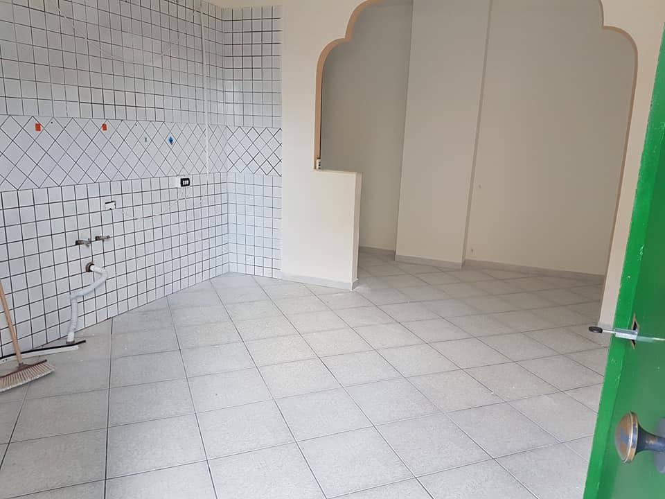 Appartamento in buone condizioni in affitto Rif. 7889903