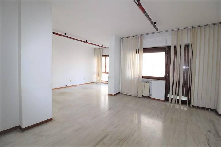 Appartamento 5 locali in affitto a Pescara (PE)