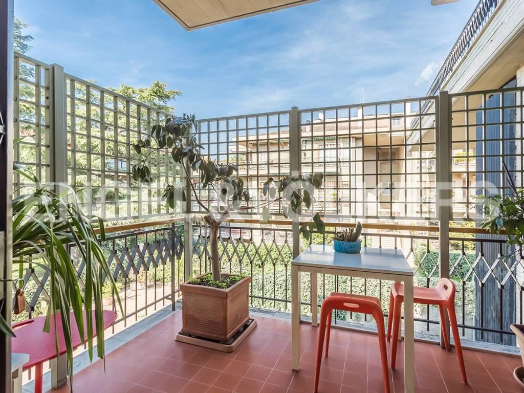 Appartamento di lusso in vendita a roma circonvallazione for Affitto ufficio tuscolana
