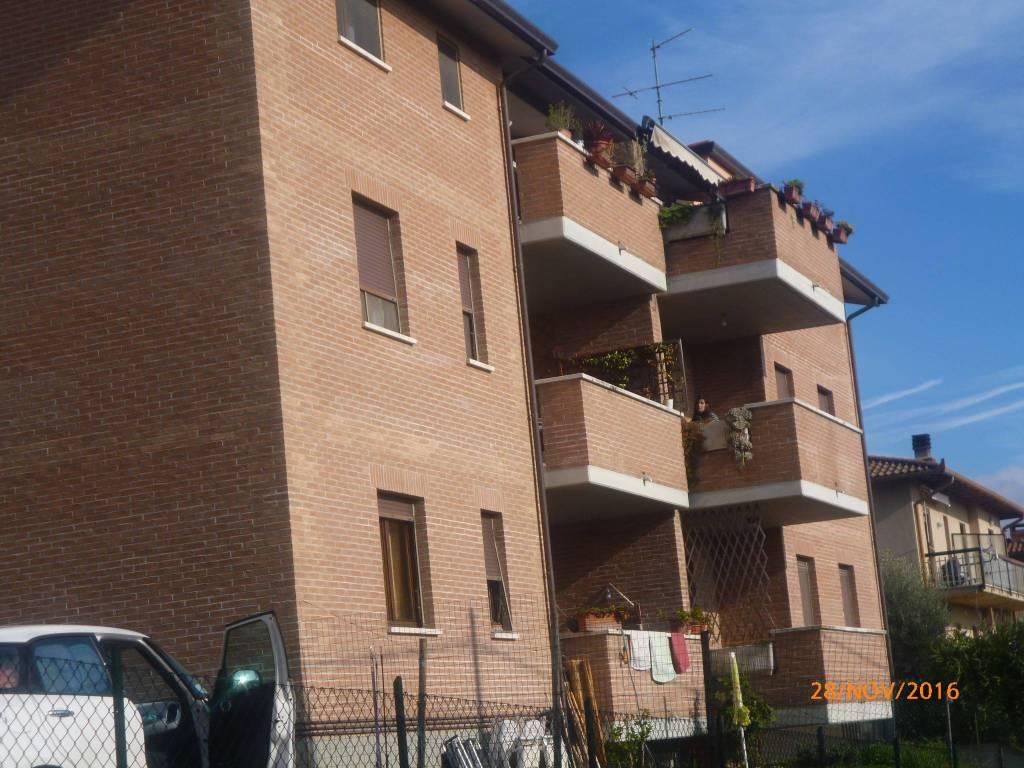 Appartamento in Vendita a Tuoro Sul Trasimeno Centro: 4 locali, 82 mq