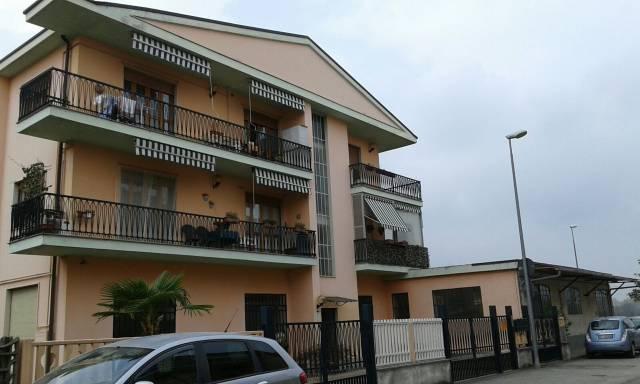 Appartamento in affitto a La Loggia, 2 locali, prezzo € 450   CambioCasa.it
