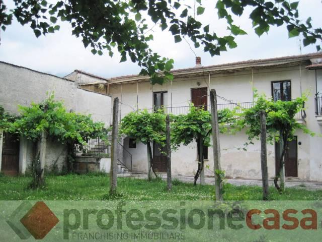 Villa in Vendita a Piedimonte San Germano
