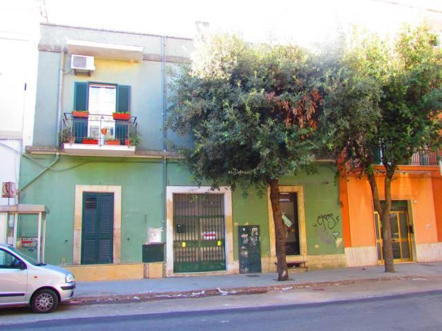 Stabile / Palazzo da ristrutturare in vendita Rif. 6550878