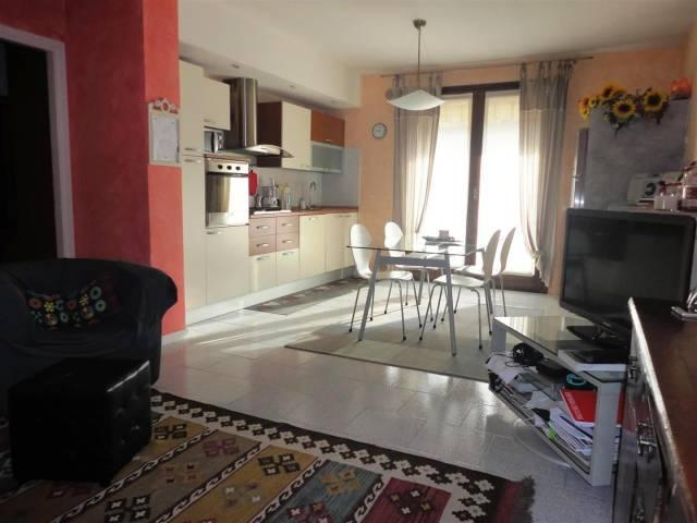Appartamento in buone condizioni in vendita Rif. 5920657