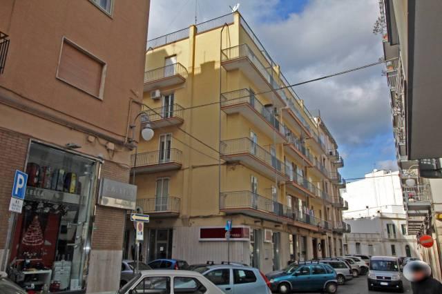 Appartamento in ottime condizioni in vendita Rif. 6025067