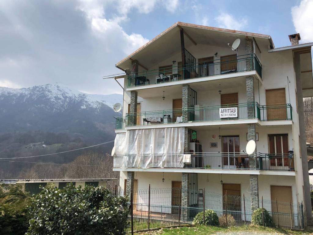 Appartamento da ristrutturare parzialmente arredato in vendita Rif. 7949203